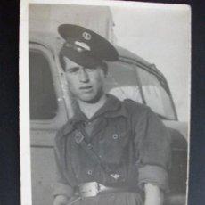 Militaria: SOLDADO CONDUCTOR CON MONO Y GORRA . HORTALEZA, 1940 .. Lote 36055212