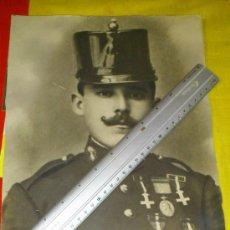 Militaria: ANTIGUA FOTO DE CARABINERO EN TRAJE DE GALA CON ROS Y MEDALLAS . Lote 36389414