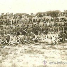 Militaria: FOTOGRAFÍA POSTAL DE JEFES - OFICIALES Y SOLDADOS DE CABALLERÍA - HACIA 1920. Lote 36478770
