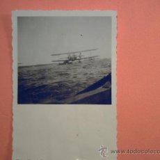 Militaria: FOTO SEGUNDA GUERRA MUNDIAL - AVIÓN ALEMAN AMERIZANDO. Lote 36840884