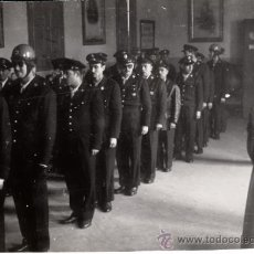 Militaria: FOTO MILITAR FOTOGRAFÍA CRUZ ROJA, BARCELONA, AÑOS 50. Lote 37074293