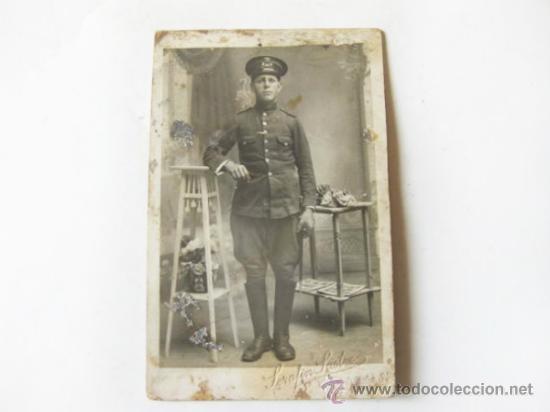 FOTOGRAFÍA ANTIGUA TAMAÑO POSTAL DE UN SOLDADO DE CABALLERIA - ALFONSO XIII (Militar - Fotografía Militar - Otros)
