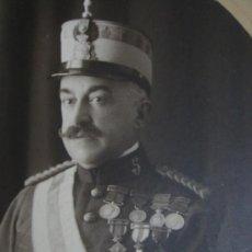 Militaria: FOTOGRAFIA DE GENERAL DE INFANTERIA DE ALFONSO XIII CONDECORADO. CON SABLE Y BASTON DE MANDO. VER ! . Lote 37646539