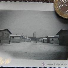Militaria: FOTOGRAFIA DE BARRACONES - SEGUNDA GUERRA MUNDIAL , ESCRITA 1942 . Lote 38606009