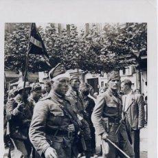Militaria: LAS TROPAS DE FRANCO EN SU ENTRADA EN SANTANDER, CANTABRIA. ORIGINAL DE EPOCA. 1937. Lote 39066571