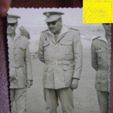 Militaria: FOTOGRAFÍA MILITAR. ÁFRICA. OFICIALES. C1959. Lote 39943453