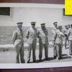 Militaria: FOTOGRAFÍA MILITAR. ÁFRICA. OFICIALES. C1959. Lote 39943709