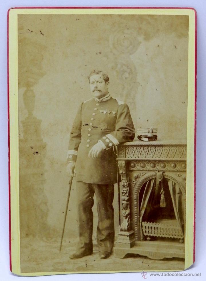 FOTOGRAFIA ALBUMINA DE CORONEL DE LA ORDEN DEL SANTO SEPULCRO DE JERUSALEN - FOTOA. RODRIGUEZ - SEVI (Militar - Fotografía Militar - Otros)