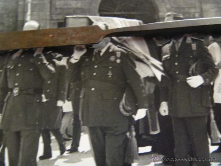 TREMENDA FOTO DE 2 LAUREADOS, MEDALLA MILITAR INDIVIDUAL Y CRUZ DE HIERRO ( DIVISION AZUL) 18 X 24 (Militar - Fotografía Militar - Otros)