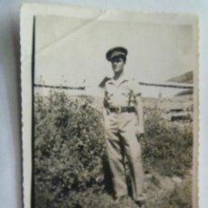 Militaria: GUERRA CIVIL : FOTO TENIENTE DE REGULARES CON PANTALON RECTO . KETAMA,1938 , III AÑO TRIUNFAL.. Lote 40837104