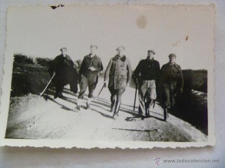 GUERRA CIVIL : FOTO DE ALFERECES O COMANDANTES PROVISIONALES , CON BASTONES . (Militar - Fotografía Militar - Guerra Civil Española)
