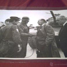 Militaria: BASE MILITAR DE BETERA- VALENCIA- VISITA CIVIL MOTOR IBERICA S.A.- FOTO ANDREU. Lote 40949083