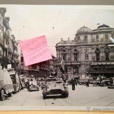 Militaria: ATENCION! BUENÍSIMA FOTO ORIGINAL GUERRA CIVIL. TROPAS ENTRANDO EN BILBAO EL 20 DE JUNIO DE 1937. Lote 41046107