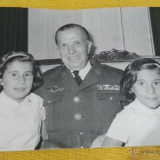 Militaria: CORONEL PILOTO EJERCITO AIRE ESPAÑOL, EPOCA FRANCO,CON FAMILIAR, ROKISKI, PASADOR MEDALLA. Lote 41247884