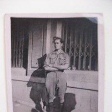 Militaria: GUERRA CIVIL: SOLDADO DE INFANTERIA, 1938 . 7 X 8,5 CM. Lote 41261199