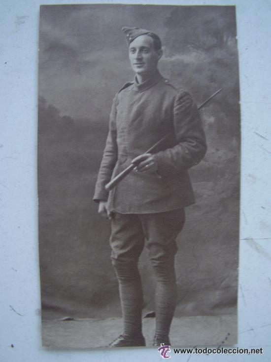 FOTOGRAFIA SOLDADO INGLES: FRENTE DE FRANCIA 1918. Iº GUERRA MUNDIAL.. 12 X 7 CM... (Militar - Fotografía Militar - I Guerra Mundial)