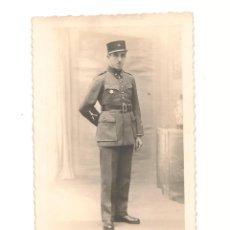 Militaria: FOTO POSTAL CIRCULADA DE OFICIAL DEL EJÉRCITO. AGOSTO DE 1939. Lote 41905791