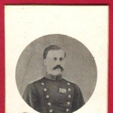 Militaria: RETRATO, FOTOGRAFIA DE UN OFICIAL ESPAÑOL CON UNIFORME DEL REGLAMENTO 1843/1860, MEDIADOS SIGLO XIX.. Lote 42226449