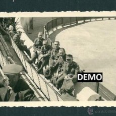 Militaria: 10 FOTOGRAFIAS SOLDADOS ALEMANES EN FRANCIA VIENDO LOS TOROS - NIMES - WW2. Lote 42502802