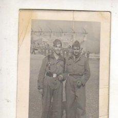 Militaria: FOTO DEL SERVICIO MILITAR - DOS SOLDADOS NO - PONE FOTOGRAFO. Lote 42550912