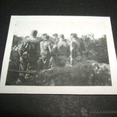 Militaria: RIBADESELLA ASTURIAS GUERRA CIVIL 1937 SOLDADOS LEGION CONDOR RECIBIENDO ORDENES BATERIA ANTIAEREA . Lote 42591154