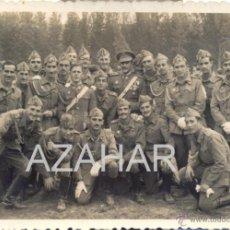 Militaria: MAGNFICIA FOTOGRAFIA DE UN GRUPO DE MILITARES, AÑOS 50. Lote 42785055