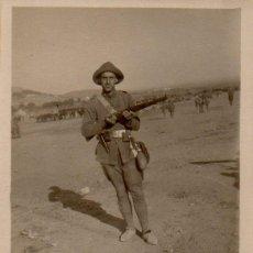 Militaria: GUERRA DE AFRICA, PRECIOSA FOTOGRAFIA DE UN SOLDADO,60X84MM. Lote 42951014