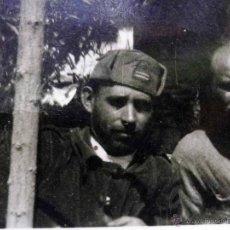 Militaria: ANTIGUA FOTOGRAFIA, GUERRA CIVIL ESPAÑOLA, LAS ROZAS, MADRID, CASA DEL DIABLO, ABRIL 1937. Lote 43087504