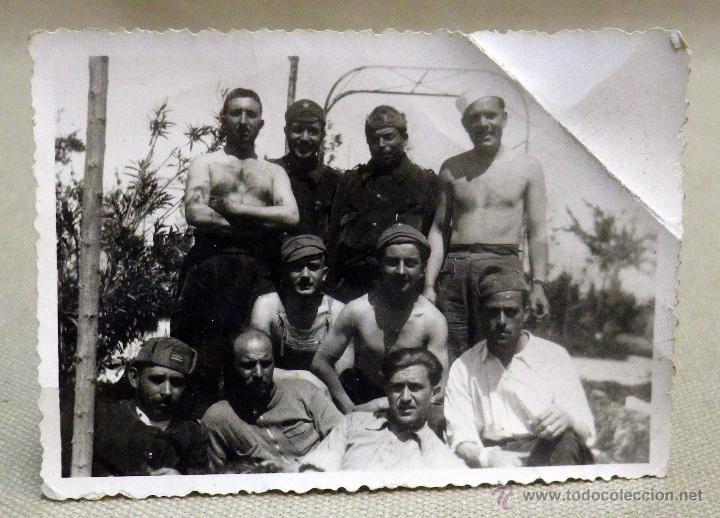 Militaria: ANTIGUA FOTOGRAFIA, GUERRA CIVIL ESPAÑOLA, LAS ROZAS, MADRID, CASA DEL DIABLO, ABRIL 1937 - Foto 2 - 43087504