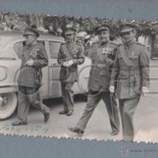 Militaria: RECEPCIÓN DE OFICIALES DE GALA 1º DE OCTUBRE DE 1954, TETUAN, MILITAR CON MEDALLA. Lote 43372471