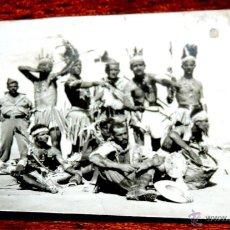 Militaria: FOTOGRAFIA DE GRUPO DE LEGIONARIOS, LEGION EN EL SAHARA, AÑOS 40 / 50, MIDE 8 X 5,4 CMS. Lote 43507843