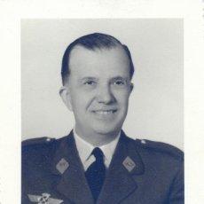 Militaria: FOTOGRAFIA DE UN CORONEL DE AVIACION, 83X112MM. Lote 44155537