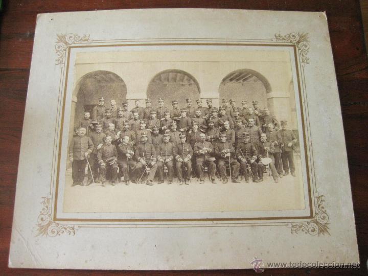 FOTOGRAFIAS DE FINALES DEL S XIX CON OFICIALES DEL REGIMIENTO DE INFANTERIA NUMERO 32 (Militar - Fotografía Militar - Otros)