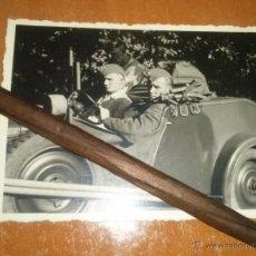 Militaria: FOTO ORIGINAL DE 2 OFICIALES DE LA LUTWAFFE EN SU COTXE. Lote 44563665