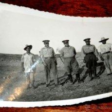 Militaria: FOTOGRAFIA DE MILITARES EN LARACHE (MARREUCOS) MIDE 12 X 9 CMS.. Lote 44931321