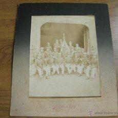 Militaria: FOTOGRAFIA DE UN GRUPO DE OFICIALES EN LA CELEBRACION DEL TE DEUM DE 1911. Lote 45098891