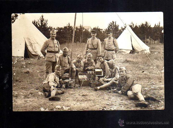 POSTAL FOTOGRÁFICA I GUERRA MUNDIAL. GRUPO DE SOLDADOS CON EMISORAS DE RADIO. (Militar - Fotografía Militar - I Guerra Mundial)