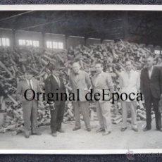 Militaria: (JX-1775)FOTOGRAFIA DE PERSONALIDADES CON OBUSES,FOTO CARLOS PEREZ ROZAS. Lote 45795589
