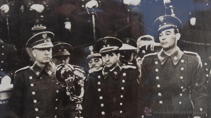Militaria: FOTOGRAFIA DE PRENSA DE FRANCO REUNIDO CON ALTOS CARGOS DEL EJERCITO. ORIGINAL DE ÉPOCA - Foto 6 - 45869535