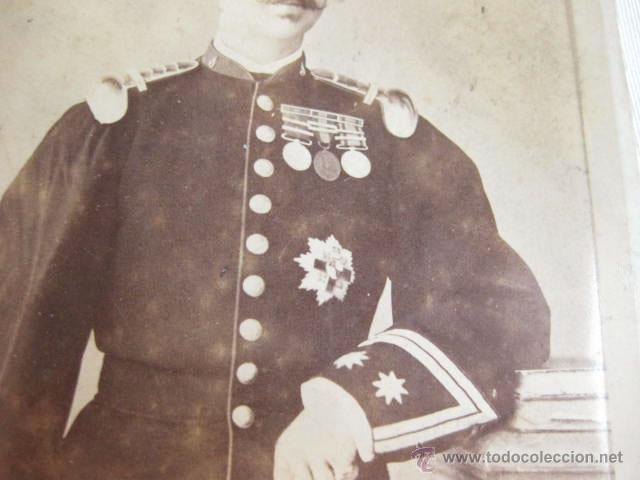 Militaria: FOTOGRAFIA DE UN CORONEL CONDECORADO DEL REGIMIENTO DE INFANTERIA DEL REY - - Foto 2 - 46093493