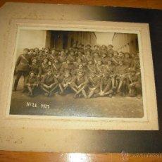 Militaria: FOTO MILITAR 1927. 34 X 28 CM. AL PIE PONE Nº 28 REGIMIENTO ?. FOTOGRAFO JOSE CABALLE , MATARO. Lote 46208505