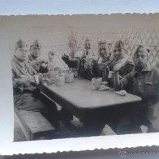 Militaria: FOTOGRAFIA GRUPO MILITARES DESAYUNANDO. Lote 46536088