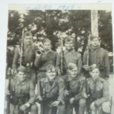 Militaria: FOTOGRAFIA MILITARES SOLDADOS . CORNETA . AÑO 1939 . GUERRA CIVIL 8 / 5 CM. Lote 47562597