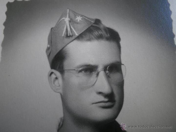 Militaria: Fotografía alférez del ejército español. Milicias Universitarias IPS 1951 - Foto 2 - 47936881
