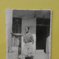 Militaria: FOTOGRAFÍA ANTIGUA ORIGINAL. GUERRA CIVIL. SOLDADO AGOSTO DE 1938 (9 X 6 CM). Lote 48189513