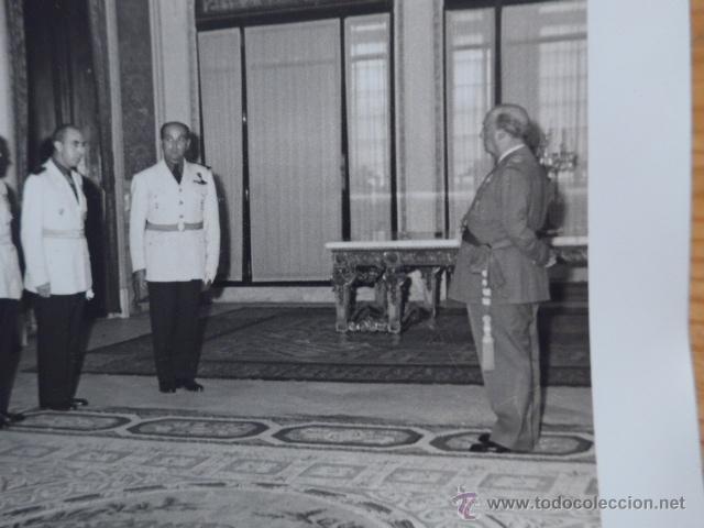 Militaria: Antigua gran fotografia de Franco con jefes falange, original, foto carlos perez de rozas - Foto 2 - 48697501