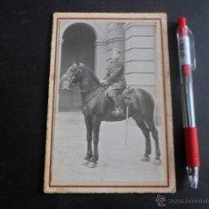 Militaria: FOTOGRAFIA MILITAR, CON SABLE , FOTO A CABALLO , ORIGINAL. Lote 48971942