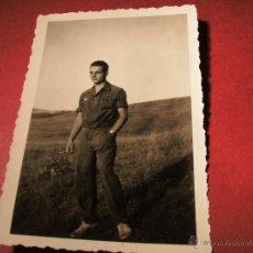 Militaria: FOTO SOLDADO ALEMÁN CON ZAPATILLAS DE DEPORTE - 1943. 3º REICH. Lote 49049061