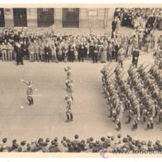 FOTOGRAFIA DESFILE DE LA VICTORIA. GRAN VIA. BILBAO. CIRCA 1940.