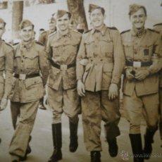 Militaria: FOTOGRAFÍA SOLDADOS DEL EJÉRCITO ESPAÑOL. EL PARDO 1944. Lote 49322004